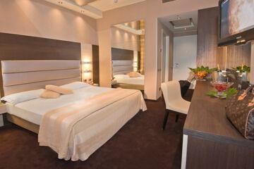 AS HOTEL DEI GIOVI Cesano Maderno (MB)