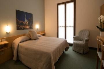 HOTEL CRIMEA Chiavenna (SO)